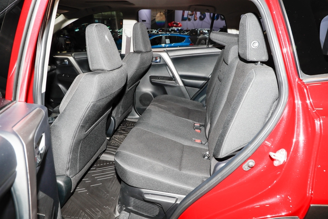 Phiên bản hầm hố nhất từ trước đến nay của Toyota RAV4  ra mắt - Ảnh 12.