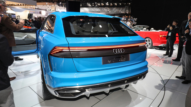 Audi RS Q8 - SUV hạng sang sắp trình làng, chung động cơ với Lamborghini Urus - Ảnh 1.