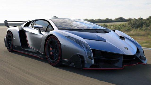 Đừng đổ xăng quá đầy cho Lamborghini Aventador nếu bạn không muốn xe bị cháy - Ảnh 1.