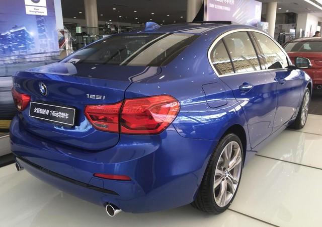 BMW 1-Series Sedan bắt đầu được bày bán, đắt hơn dự đoán - Ảnh 2.