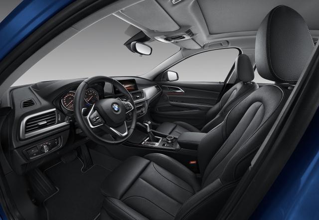 BMW 1-Series Sedan bắt đầu được bày bán, đắt hơn dự đoán - Ảnh 16.