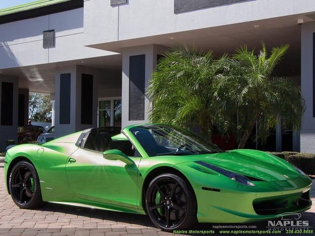 Chiếc siêu xe Ferrari 458 Spider với màu sơn độc trị giá hơn 600 triệu Đồng - Ảnh 1.