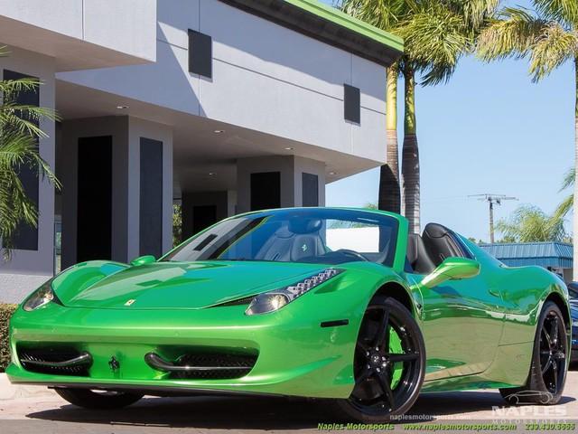 Chiếc siêu xe Ferrari 458 Spider với màu sơn độc trị giá hơn 600 triệu Đồng - Ảnh 5.