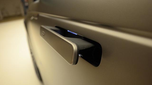 Ngắm Range Rover Velar bằng xương, bằng thịt, cạnh tranh Porsche Macan - Ảnh 9.