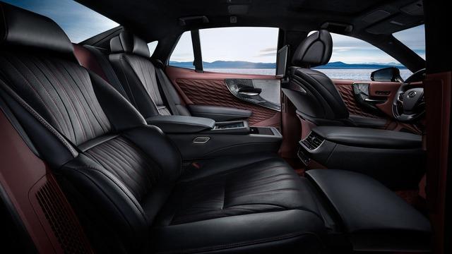 Sedan hạng sang cỡ lớn Lexus LS500h 2018 ra mắt - Ảnh 12.