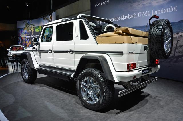 Soi kỹ SUV nhà giàu Mercedes-Maybach G650 Landaulet ngoài đời thực - Ảnh 2.