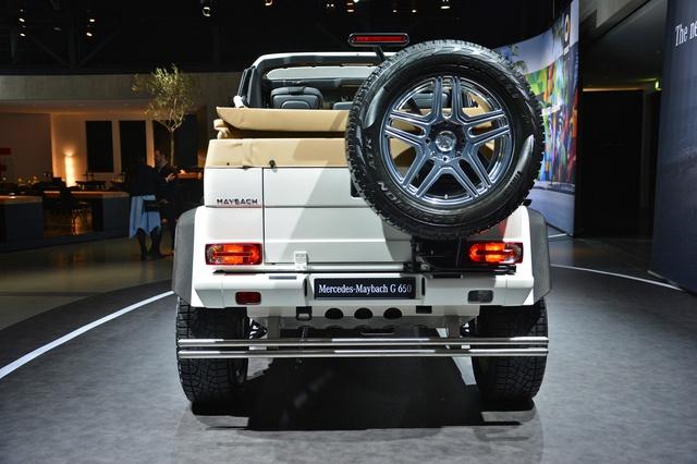 Soi kỹ SUV nhà giàu Mercedes-Maybach G650 Landaulet ngoài đời thực - Ảnh 11.