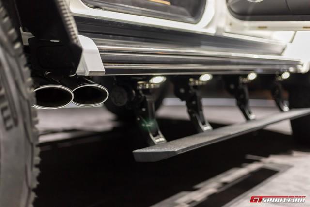 Soi kỹ SUV nhà giàu Mercedes-Maybach G650 Landaulet ngoài đời thực - Ảnh 7.
