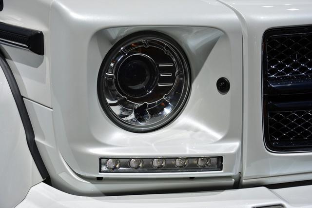Soi kỹ SUV nhà giàu Mercedes-Maybach G650 Landaulet ngoài đời thực - Ảnh 19.
