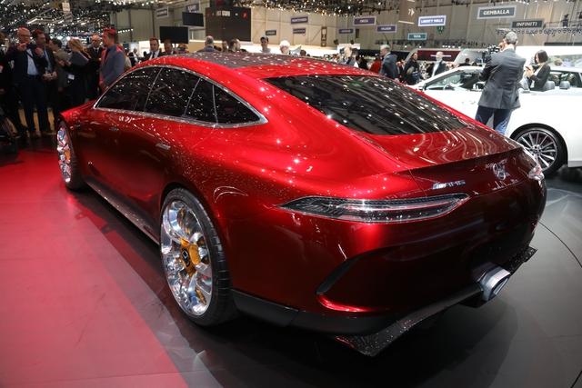 Mục sở thị vẻ đẹp của coupe 4 cửa hạng sang Mercedes-AMG GT Concept - Ảnh 2.