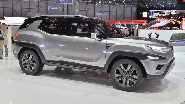 Làm quen với Ssangyong XAVL - xe crossover 7 chỗ lai minivan - Ảnh 2.