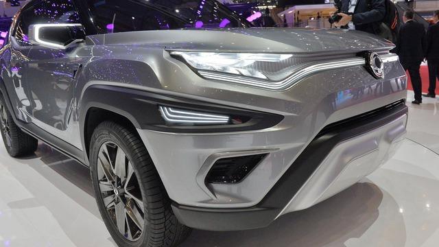Làm quen với Ssangyong XAVL - xe crossover 7 chỗ lai minivan - Ảnh 5.