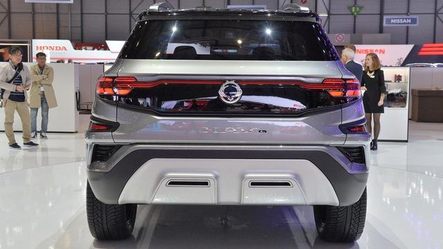 Làm quen với Ssangyong XAVL - xe crossover 7 chỗ lai minivan - Ảnh 9.