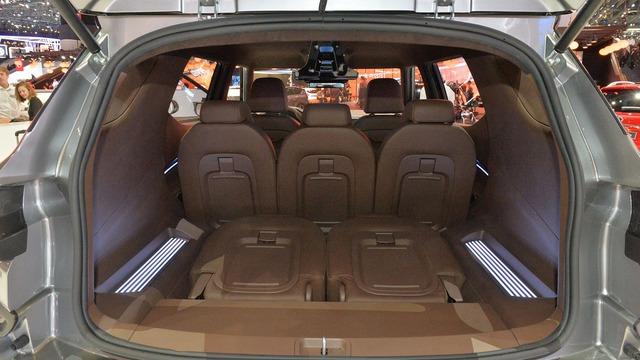 Làm quen với Ssangyong XAVL - xe crossover 7 chỗ lai minivan - Ảnh 13.