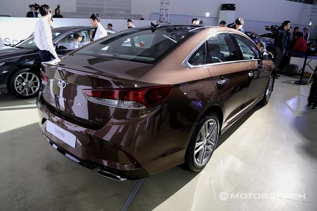 Cận cảnh sedan cỡ trung Hyundai Sonata 2018 ngoài đời thực - Ảnh 5.