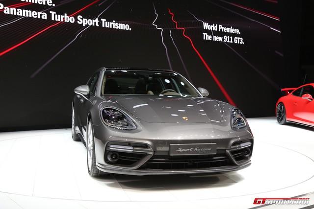Vừa ra mắt tại triển lãm Geneva 2017, Porsche Panamera Sport Turismo đã có giá ở Việt Nam - Ảnh 1.
