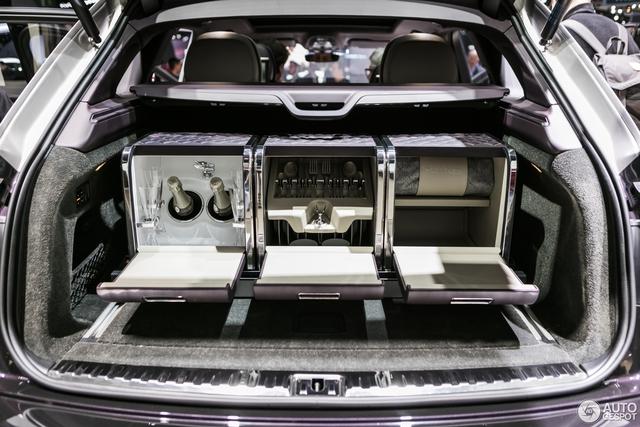 Cận cảnh SUV nhà giàu Bentley Bentayga Mulliner bằng xương, bằng thịt - Ảnh 10.