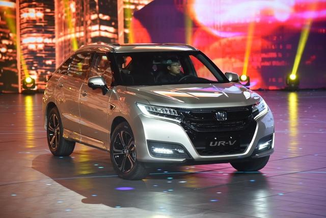 SUV lai Coupe Honda UR-V chính thức được bán ra, giá từ 814 triệu Đồng - Ảnh 4.