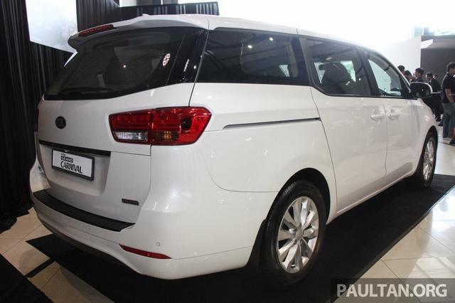 Cận cảnh Kia Sedona 8 chỗ, rẻ hơn xe ở Việt Nam - Ảnh 6.