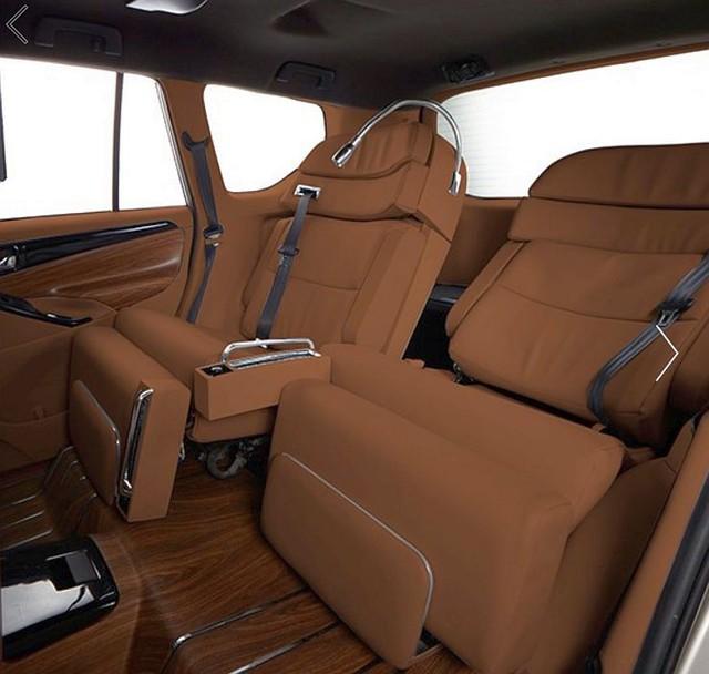 Toyota Innova 2017 mang nội thất theo phong cách Rolls-Royce và Maybach - Ảnh 1.