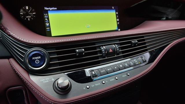 Chiêm ngưỡng vẻ đẹp ngoài đời thực của xe sang cỡ lớn Lexus LS500h 2018 - Ảnh 8.