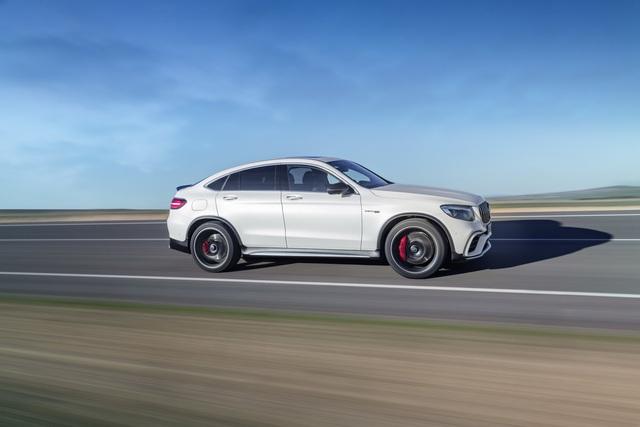 Cặp đôi SUV hiệu suất cao Mercedes-AMG GLC63 và GLC63 Coupe 2018 hiện nguyên hình - Ảnh 8.