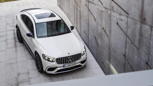 Cặp đôi SUV hiệu suất cao Mercedes-AMG GLC63 và GLC63 Coupe 2018 hiện nguyên hình - Ảnh 10.