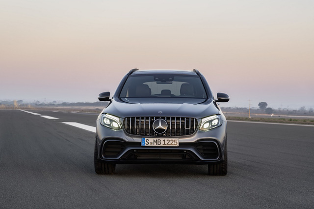 Cặp đôi SUV hiệu suất cao Mercedes-AMG GLC63 và GLC63 Coupe 2018 hiện nguyên hình - Ảnh 12.