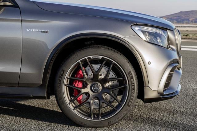 Cặp đôi SUV hiệu suất cao Mercedes-AMG GLC63 và GLC63 Coupe 2018 hiện nguyên hình - Ảnh 13.