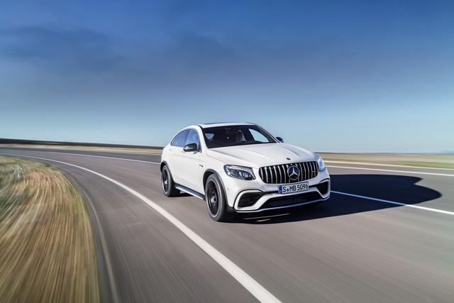 Cặp đôi SUV hiệu suất cao Mercedes-AMG GLC63 và GLC63 Coupe 2018 hiện nguyên hình - Ảnh 20.