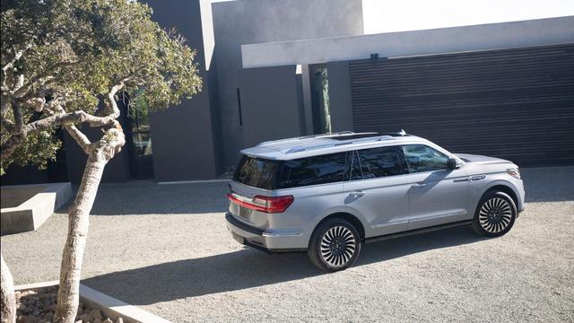 SUV hạng sang cỡ lớn Lincoln Navigator 2018 ra mắt với thiết kế thanh lịch và nội thất tiện nghi - Ảnh 5.