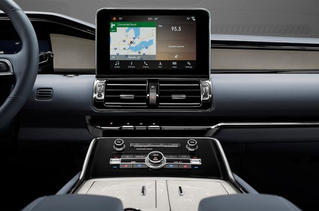 SUV hạng sang cỡ lớn Lincoln Navigator 2018 ra mắt với thiết kế thanh lịch và nội thất tiện nghi - Ảnh 7.