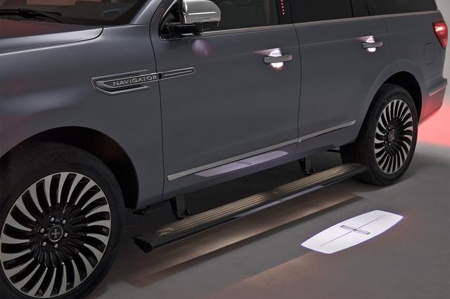 SUV hạng sang cỡ lớn Lincoln Navigator 2018 ra mắt với thiết kế thanh lịch và nội thất tiện nghi - Ảnh 14.