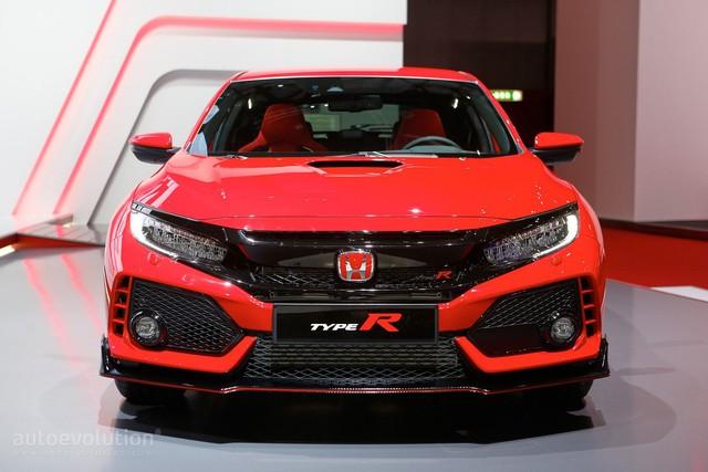 Bắt gặp Honda Civic Type R 2018 khoe tiếng pô trên đường phố - Ảnh 3.