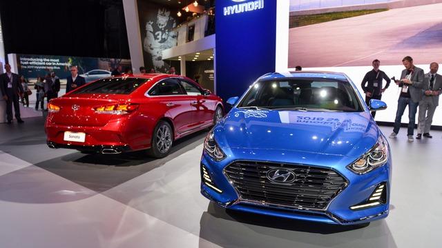 Hyundai Sonata 2018 phiên bản quốc tế trình làng, sẵn sàng đối đầu Toyota Camry - Ảnh 1.