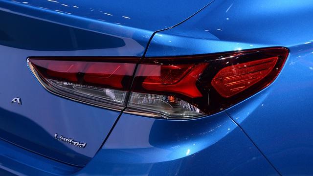 Hyundai Sonata 2018 phiên bản quốc tế trình làng, sẵn sàng đối đầu Toyota Camry - Ảnh 9.