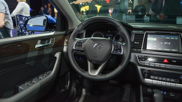 Hyundai Sonata 2018 phiên bản quốc tế trình làng, sẵn sàng đối đầu Toyota Camry - Ảnh 10.