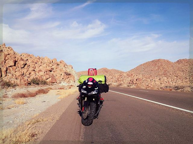 Làm quen với cô gái một mình đi vòng quanh thế giới bằng Honda CBR600RR - Ảnh 4.
