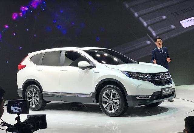 Honda giới thiệu CR-V 2017 phiên bản tiết kiệm xăng không có ở Việt Nam - Ảnh 1.