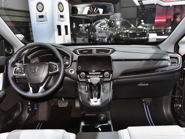 Honda giới thiệu CR-V 2017 phiên bản tiết kiệm xăng không có ở Việt Nam - Ảnh 4.