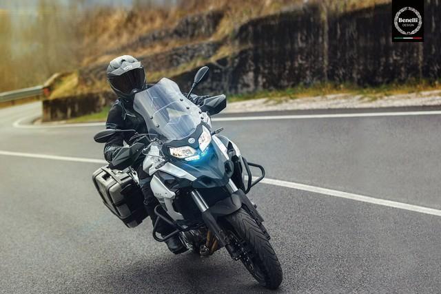 Benelli TRK 502 2017 sắp ra mắt Việt Nam với giá hấp dẫn - Ảnh 1.
