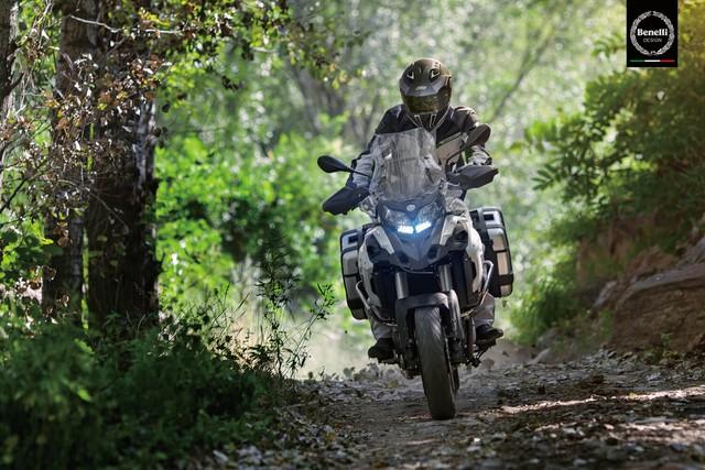 Benelli TRK 502 2017 sắp ra mắt Việt Nam với giá hấp dẫn - Ảnh 2.