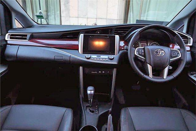 Toyota Innova bản cao cấp Touring Sport 2017 trình làng - Ảnh 7.