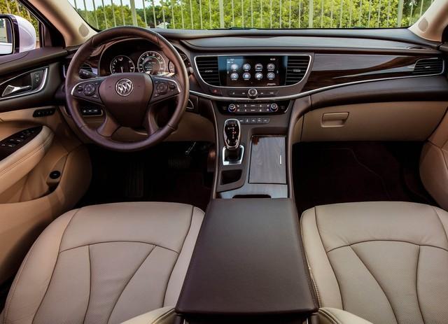 10 khoang nội thất ô tô đẹp nhất năm 2017 - Ảnh 3.