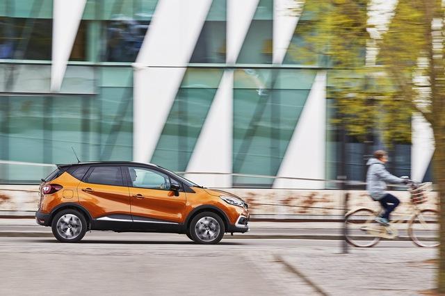 Crossover nhỏ mà có võ Renault Captur được nâng cấp nhẹ nhàng - Ảnh 12.