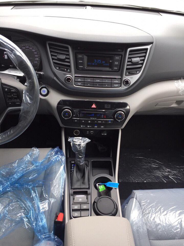 Crossover cỡ nhỏ Hyundai Tucson phiên bản mới lộ diện tại Việt Nam - Ảnh 4.