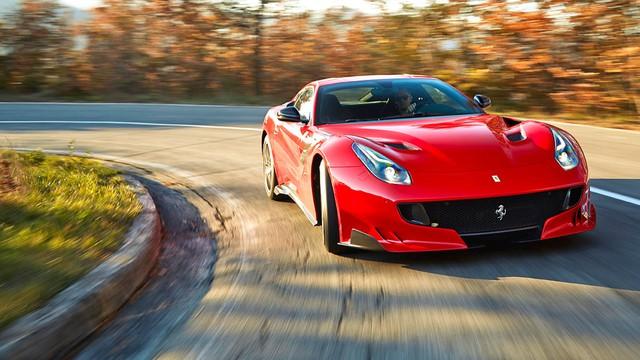 Siêu xe F12tdf hỏng bộ ly hợp và bốc cháy, Ferrari cử người đến sửa ngay trong đêm - Ảnh 4.