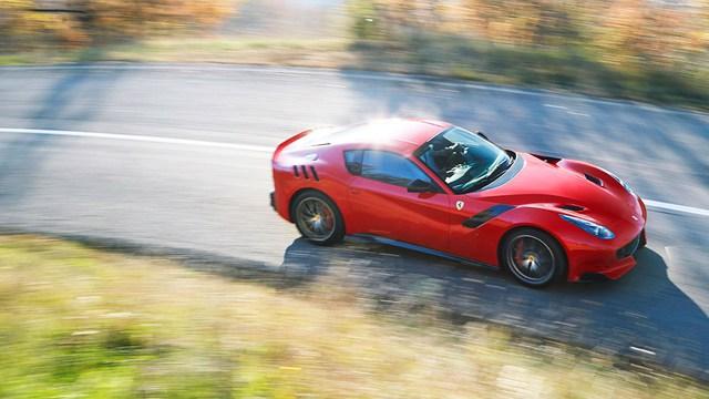 Siêu xe F12tdf hỏng bộ ly hợp và bốc cháy, Ferrari cử người đến sửa ngay trong đêm - Ảnh 7.
