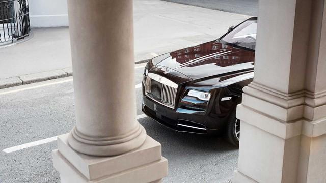 Làm quen với chiếc Rolls-Royce Dawn đặc biệt nhất thế giới - Ảnh 10.