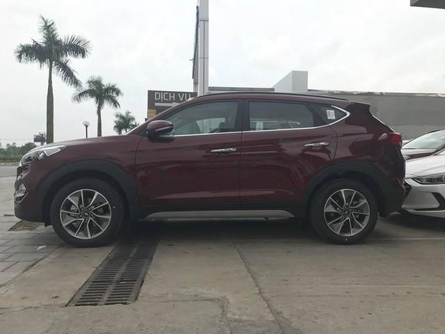 Cận cảnh crossover cỡ nhỏ Hyundai Tucson 2017 tại Hà Nội - Ảnh 2.